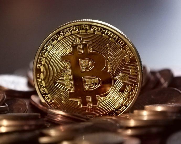 Bitcoin: poznajmy kryptowalutę bliżej