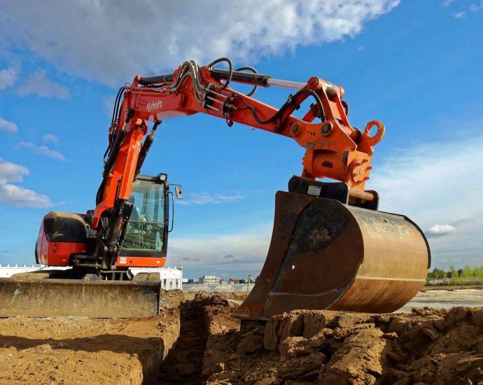 Szeroki wybór części zamiennych do maszyn budowlanych